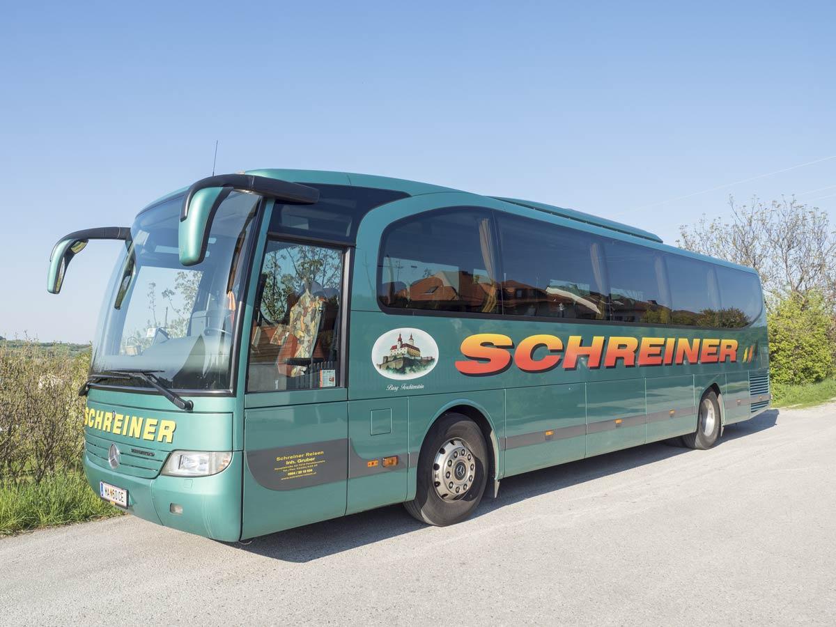 Schreiner-Reisen-Bus
